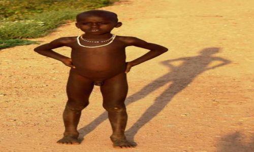 Zdjęcie ETIOPIA / Omo / Turmi / Nie szata zdobi człowieka