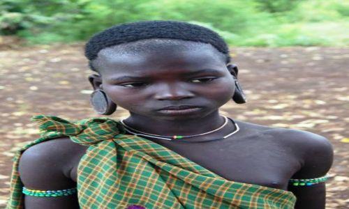 Zdjęcie ETIOPIA / Omo / Bodu / Dziewczynka Mursi