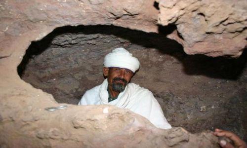 Zdjecie ETIOPIA / Lalibeli / Miejsce kultu religijnego / Kościół w skale