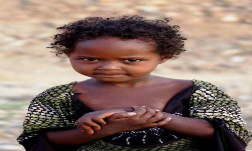 Zdjecie ETIOPIA / Afar / Berahle / Tak bardzo martwię się nim...
