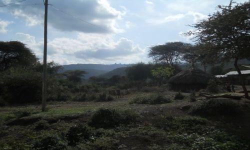Zdjecie ETIOPIA / na południe od addis abeby / przy drodze / wioska