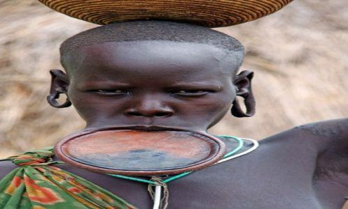 Zdjecie ETIOPIA / - / wioska plemienia Mursi / Konkurs_kobieta_Mursi