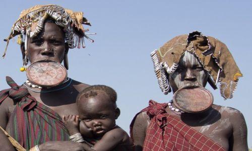 Zdjecie ETIOPIA / Dolina Omo / wioska Mursi / Kobiety