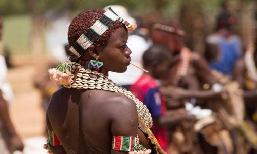 Zdjęcie ETIOPIA / Dolina Omo / Turmi / Piękność z doliny Omo