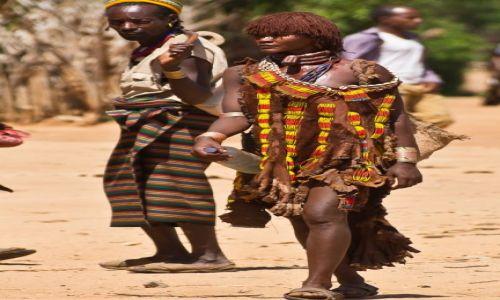 Zdjęcie ETIOPIA / Dolina Omo / Dolina Omo / Aż się za nią obejrzał