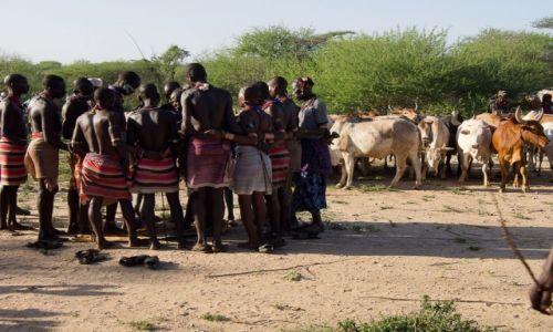 Zdjęcie ETIOPIA / Dolina Omo / wioska Hamerów / Narada