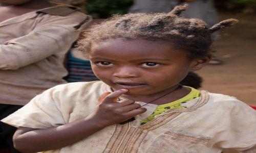 Zdjęcie ETIOPIA / Dolina Omo / wioska Ari / Dziewczątko