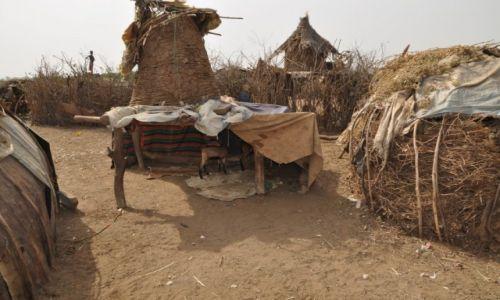 ETIOPIA / Dolina Omo / Okolice miasta Omorate / Wioska Danasech�w
