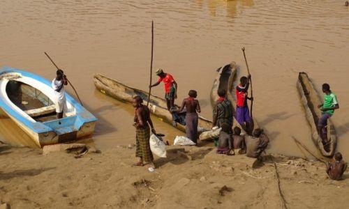 ETIOPIA / Dolina Omo / Omorate- Omo river  / D�ubanki