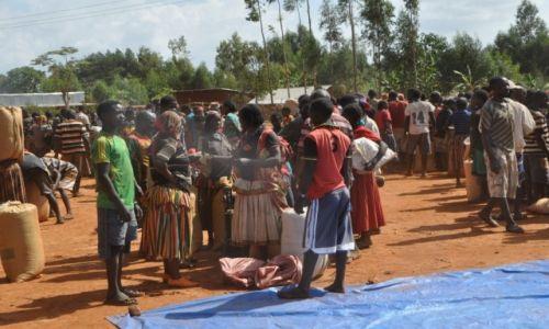 ETIOPIA / Dolina Omo / Okolice Jinka / Na lokalnym targu