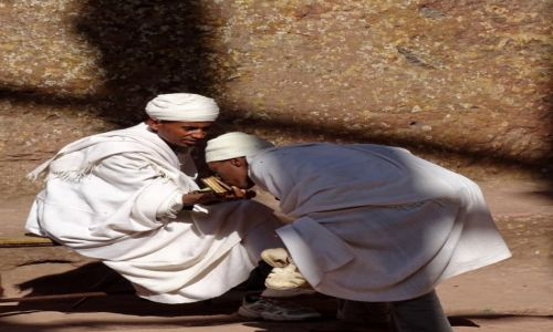ETIOPIA / P�nocna Etiopia / Lalibela / Wiara z tradycj�