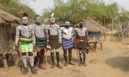 Zdjęcie ETIOPIA / Dolina Omo / Wioska plemienia Karo / Etiopia