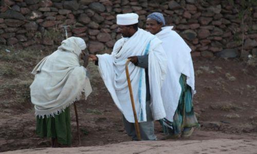Zdjęcie ETIOPIA /  Amhara / Lalibela / Spotkanie z kapłanem