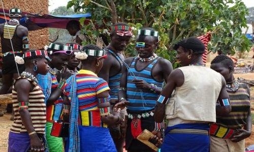 Zdjęcie ETIOPIA / Południe / na targu w Dimeka / Umowa stoi