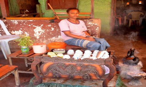Zdjęcie ETIOPIA / Gdzieś po drodze w knajpie / po drodze / Zaproszenie na tradycyjnie parzoną kawę