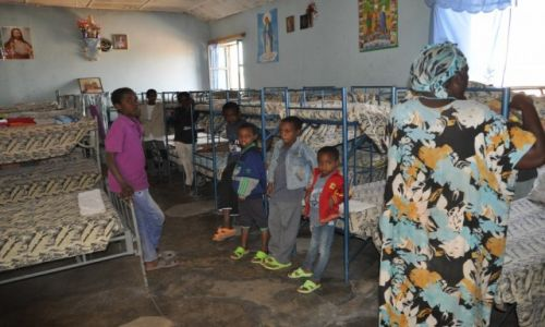 ETIOPIA / Prowincja Hareri / Harar Stare Miasto / Chłopcy w sierocińcu prowadzonym przez księży Kapucynów