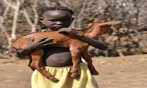 ETIOPIA / Dolina Omo / wioska Karo / Przyjaciele