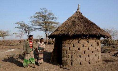 ETIOPIA / Dolina Omo / w trasie / Gospodarze