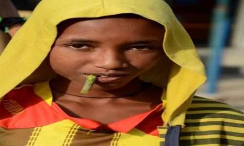 Zdjecie ETIOPIA / Dolina Omo / gdzieś w trasie / Mycie ząbków