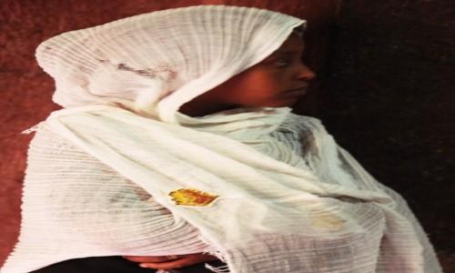 Zdjęcie ETIOPIA / Lalibela / Kościół Sw. Maryi / W skupieniu