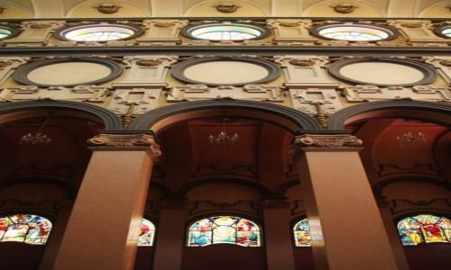 Zdjęcie ETIOPIA / Addis Abeba / Kościół Świętej Trójcy / Nawy w przekroju
