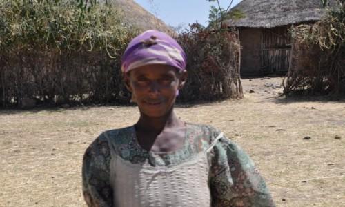 ETIOPIA / Addis Abeba / Okolice... / Szcz�liwa babcia :)