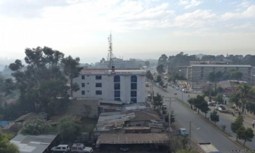 Zdjęcie ETIOPIA / STOLICA / Addis Abbaba / Addis Abbaba z okna hotelu