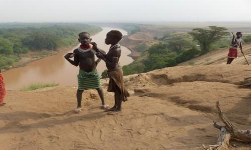 ETIOPIA / Dolina Omo / WIOSKA KARO / WIOSKA KARO