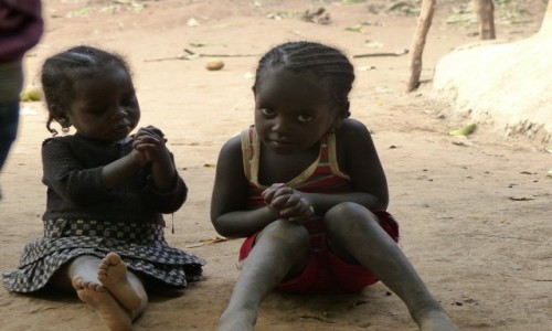 Zdjęcie ETIOPIA / Dolina Omo / Wioska Ari / Maluchy Ari