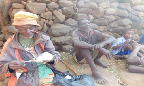 Zdjęcie ETIOPIA / DOLINA OMO / Meczeke / Prząśnik -czyli przędzenie bawałny