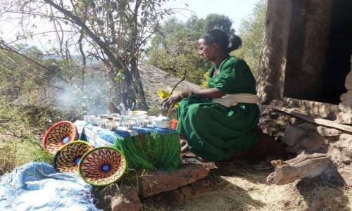 Zdjęcie ETIOPIA / Północ / Lalibela / Przerwa na kawę