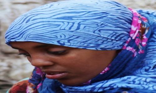 Zdjęcie ETIOPIA / Harar  / Bazar / Młoda kobieta