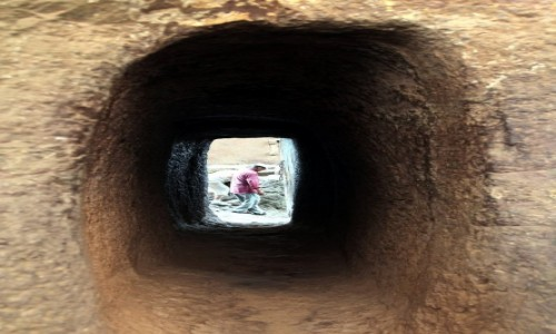 Zdjęcie ETIOPIA /  Amhara / Lalibela  / Wejście do świątyni