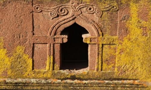 Zdjęcie ETIOPIA /  Amhara / Lalibela  / Kościół Św.Jerzego, okno