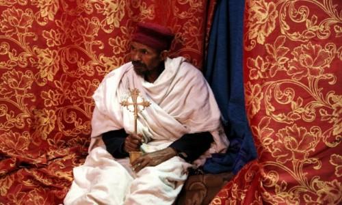 Zdjęcie ETIOPIA /  Amhara / Lalibela, Kościół św. Jerzego / Etiopski duchowny