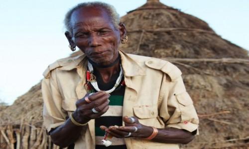 Zdjecie ETIOPIA / Dolina Omo / Wioska Labale  / Zanim wejdziesz