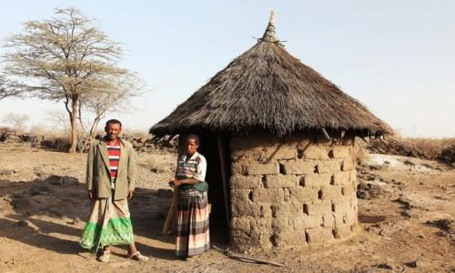 Zdjęcie ETIOPIA / Harrar / Wioska plemienia Oromo / Na progu