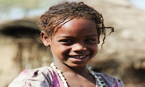 Zdjecie ETIOPIA / Harrar / Wioska plemienia Oromo / Do szczęścia ni