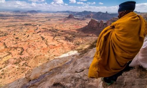 ETIOPIA / Tigray / Jeden z klasztorów Tigrayu / Modlitwa
