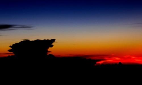 Zdjecie ETIOPIA / - / Gdzieś nad Etiopią / Pionowa chmura