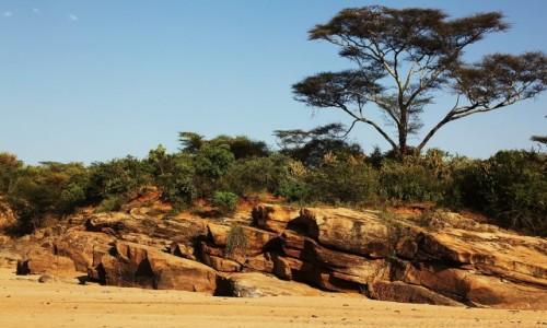 Zdjecie ETIOPIA /  Dolina Omo / Rzeka Keske / Na brzegu