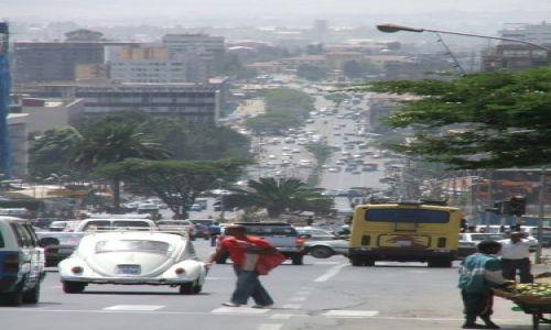 ETIOPIA / Addis Ababa / Addis Ababa / Ruch uliczny w Addis