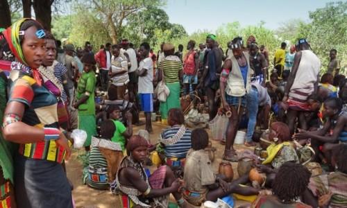 Zdjecie ETIOPIA / Dolina Omo / Turmi / W dzień targowy
