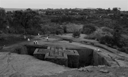 Zdjecie ETIOPIA / Amhara / Lalibela, Kościół Św. Jerzego (Bete Giorgis) / W drodze na modlitwę