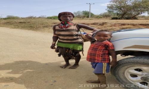 Zdjecie ETIOPIA / Dolina Omo / Turmi / W drodze do Turmi