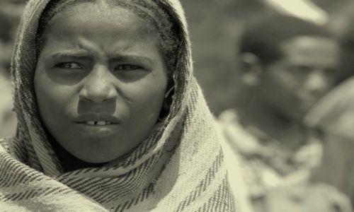 Zdjęcie ETIOPIA / Dolina Omo / wioska  / ***