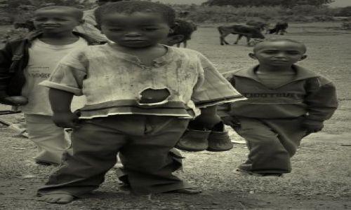 Zdjęcie ETIOPIA / środkowa Etiopia /  napotkany po drodze  / mam buty