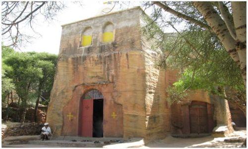Zdjecie ETIOPIA / Etiopia Północna-prow. Tigraj - między Adigrat a Mekele / Wukro  / Kościółek w Wukro