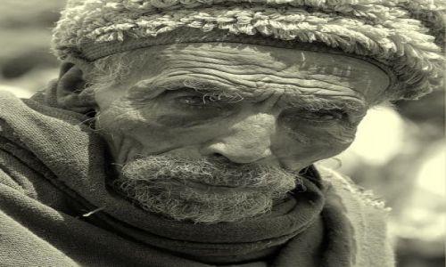 Zdjęcie ETIOPIA / północna Etiopia /  napotkany po drodze  / senior