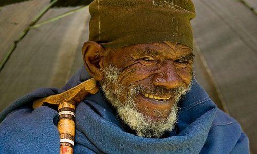 Zdjecie ETIOPIA / brak / północna Etiopia / Pan pod parasol